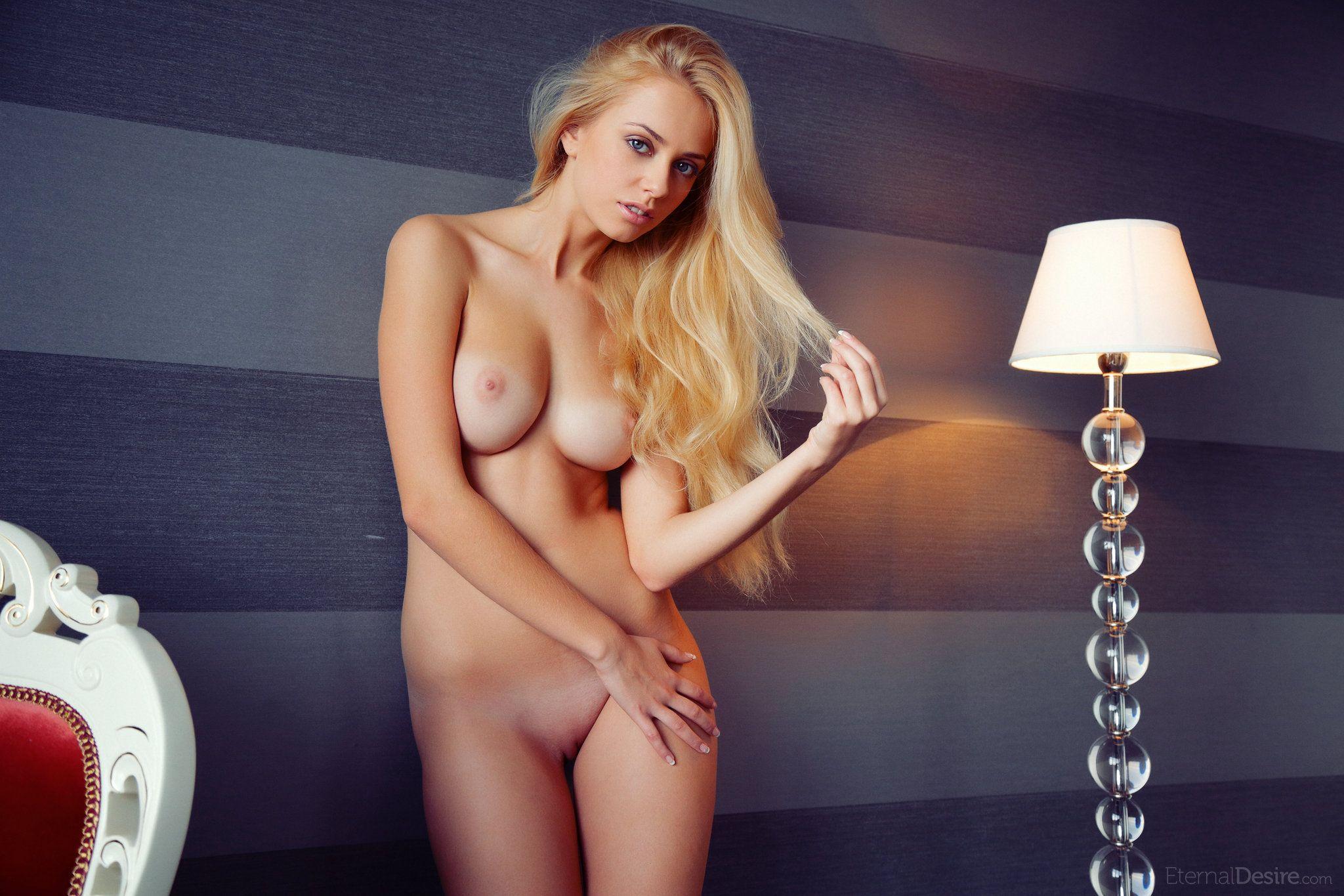 Блондинки Голые Смотреть Онлайн