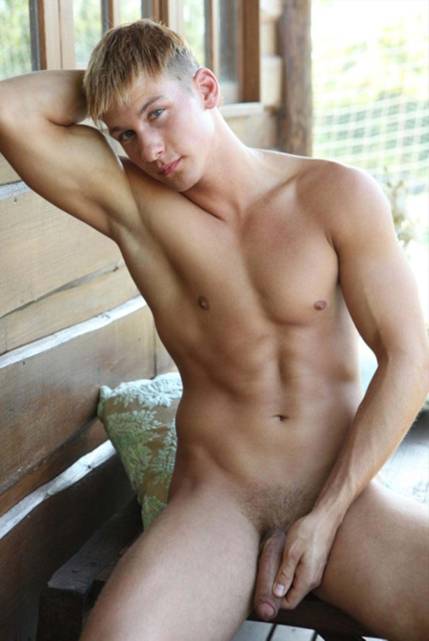 Blonde male models nude — pic 12