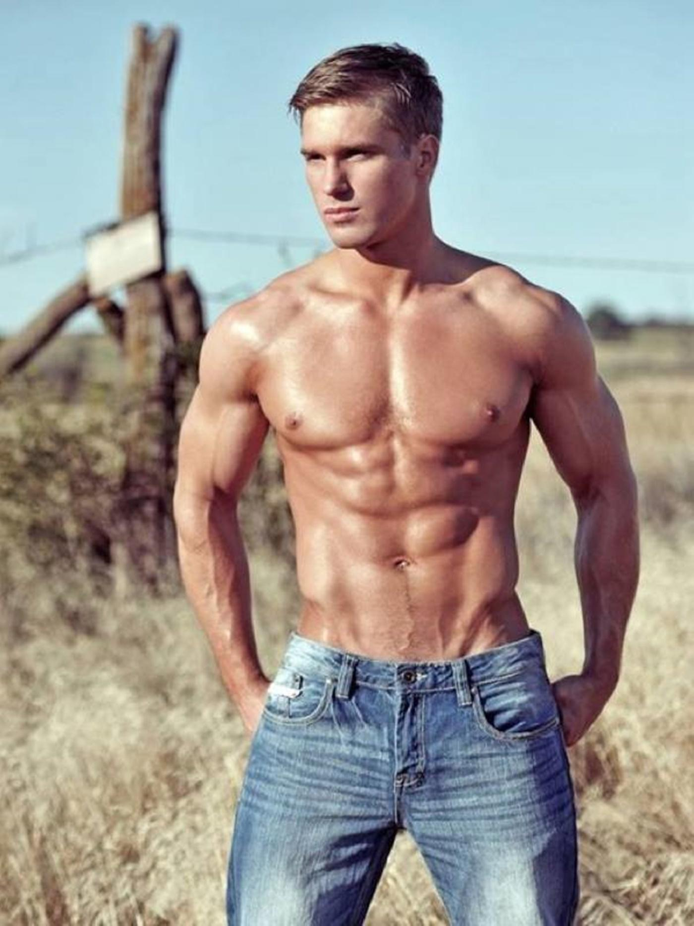 Naked men in jeans — pic 13