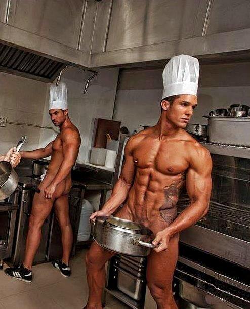 инстинктивно выпустила голые парни на кухне изверг, чтоб малолеток