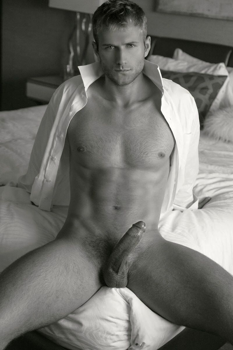 tumblr-guys-almost-naked