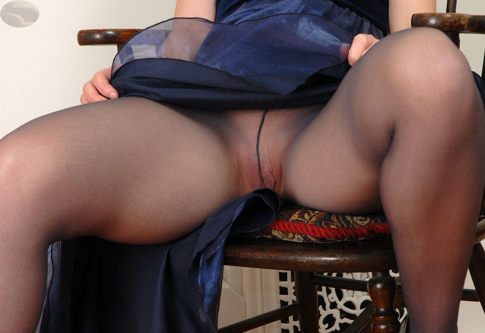 Upskirt secretaries no panties videos #6