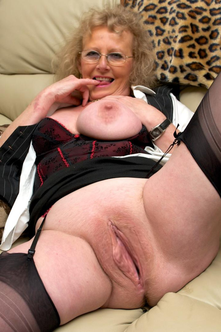 Granny gallery mature older women xxx — photo 8