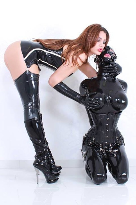 Hot Girls In Latex And Rubber Booloo 1