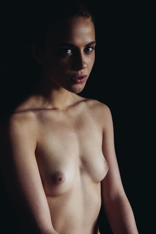 adelaide-women-nude